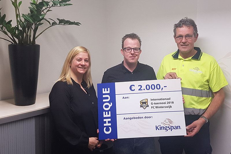 Afbeelding: 20180320_Uitreiking-cheque-Kingspan